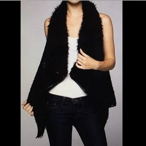 Black Faux Sherpa Fur Vest M LOVE TREE Waterfall